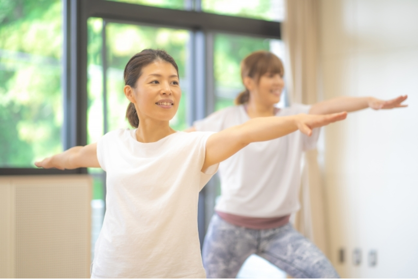 胸式呼吸を意識しながらピラティスを実践してみましょう!